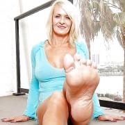 Gorgeuous Soles (feet)