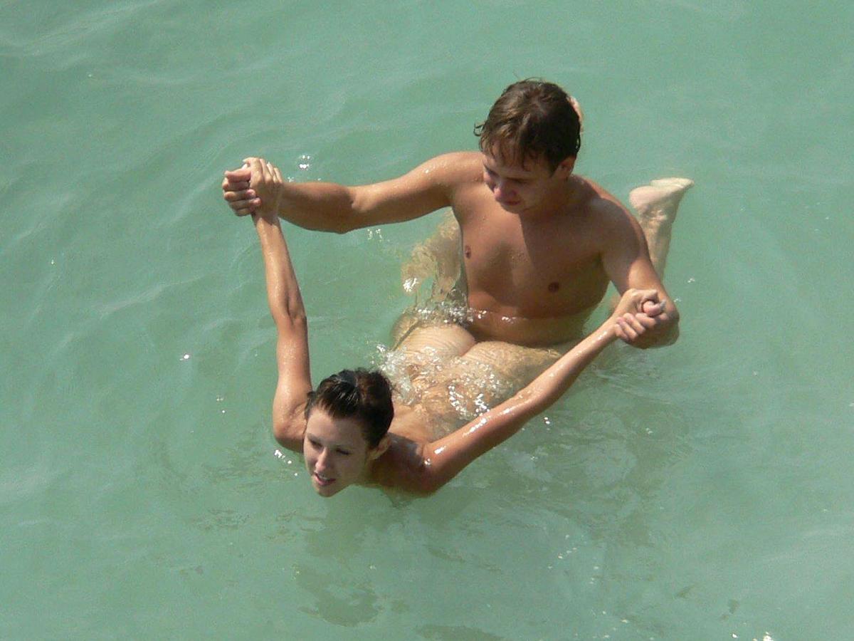 Фото разврата нудистов на море 26 фотография