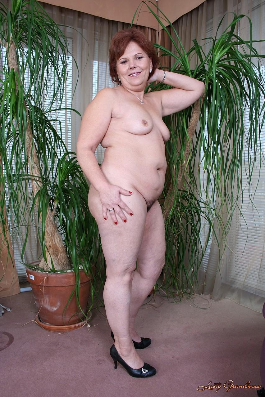 Фото голых сочных бабушек 8 фотография