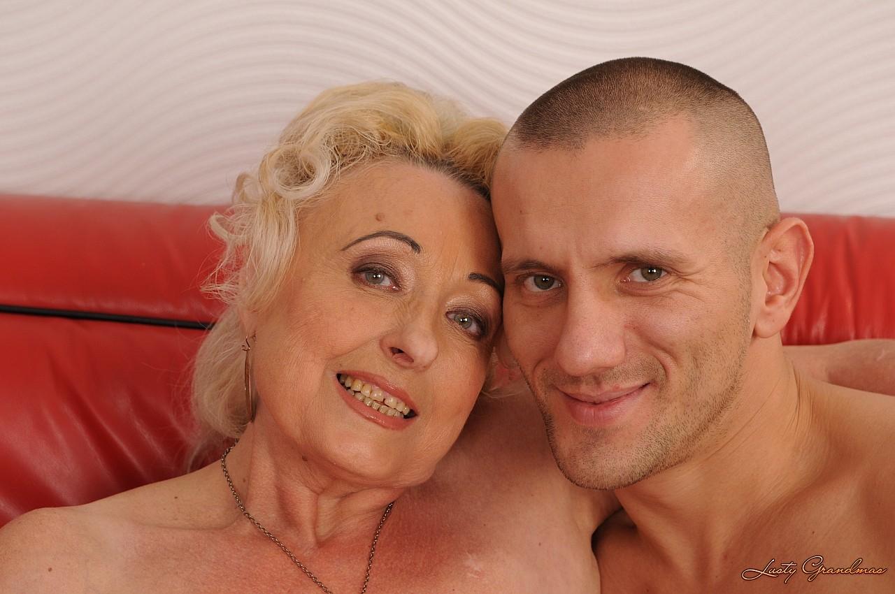 Старые бабки раком 7 фотография