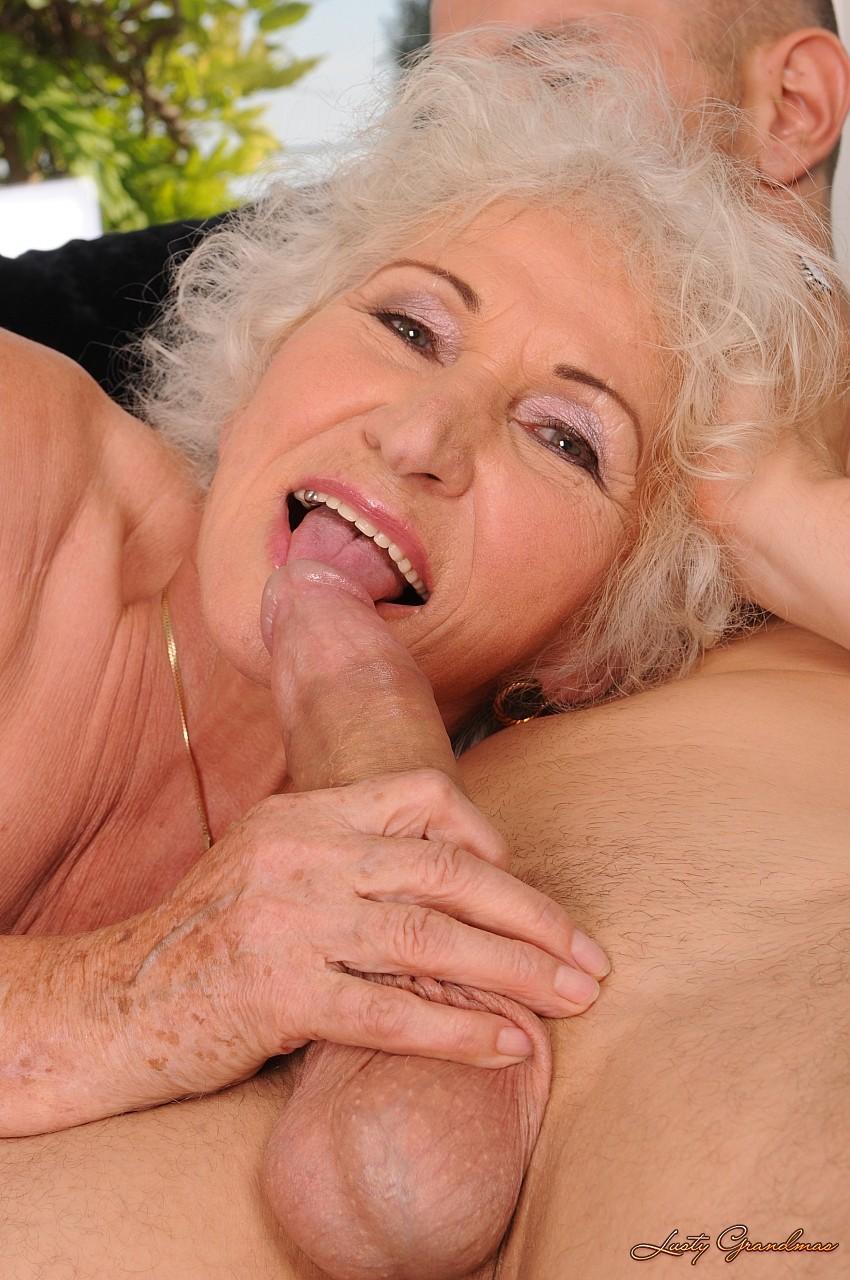 Самая сексуальная бабушка 9 фотография