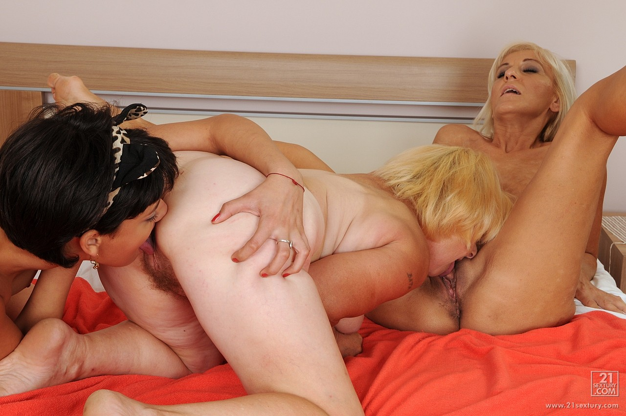 video-seks-starie-lesbiyanki