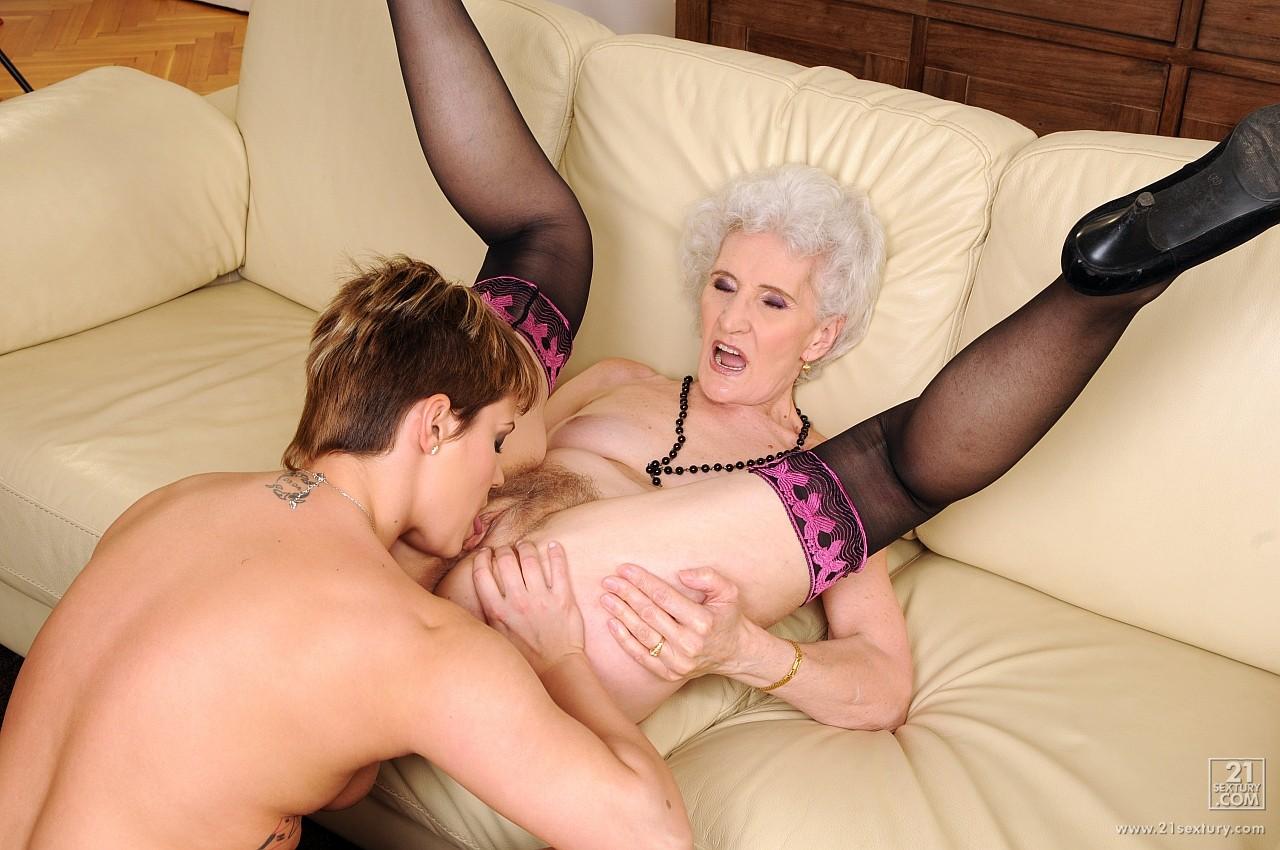 Секс бабушки и внука россия 13 фотография