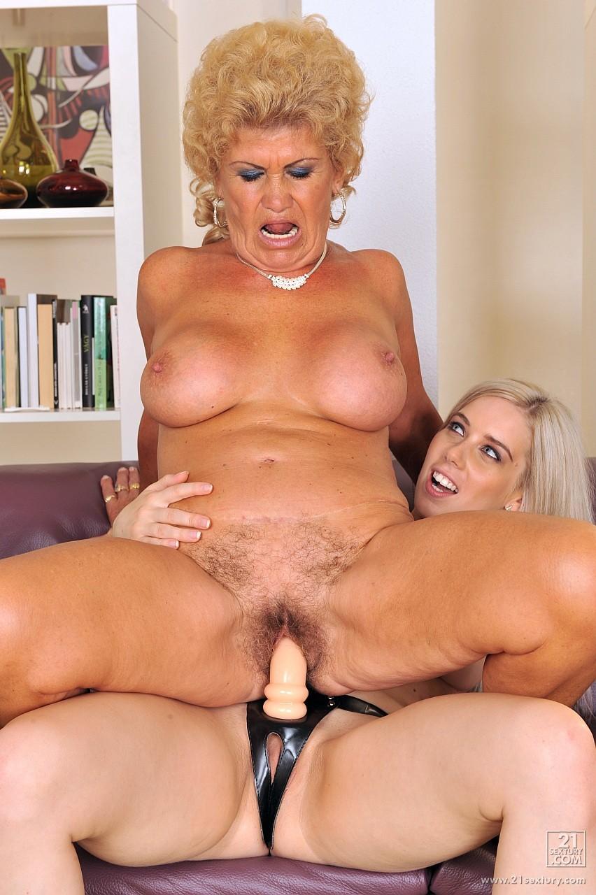 seks-pozhilih-lesbiyanok