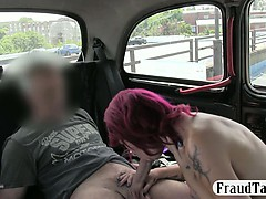 Kinky amateur squirts all over the backseat of a taxi