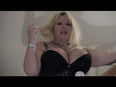 kimberly-talking-about-bdsm
