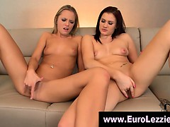 lesbian-babes-oral-and-fingering