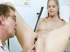 busty-jenny-extreme-pussy-gaping-on-gyno-chair-at-kinky
