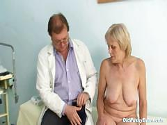 mature-old-brigita-getting-pussy-exam-from-experienced-gyno