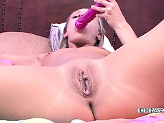 blonde-milf-jen-is-fucking-her-twat-with-a-big-dong