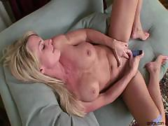 i-m-a-busty-hot-milf-whore