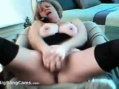 chubby-mature-slut-squirting