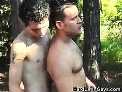 rimming-latinos-outdoors