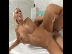 lichelle-marie-gets-fucked-in-the-gym