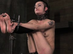bdsm-tattood-bondage-sub-feet-spanked
