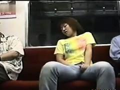 japanese-girl-masturbating-on-the-subway