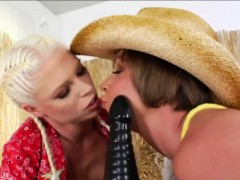 yummy-cowgirls-julie-night-and-jayda-diamonde-ass-wrecked