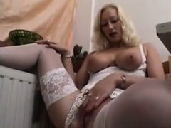 amateur-blonde-milf-in-a-sexy-outfit