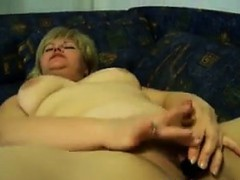 chubby-mature-woman-masturbating