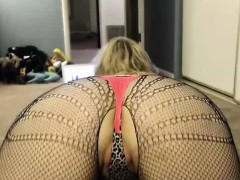 hot-curvy-webcam-slut-does-great-show-6