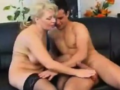 hungry-mature-woman-wants-to-fuck