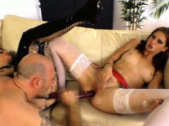 glamour-babes-using-double-end-dildo