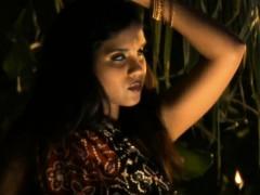 indian-milf-dances-so-good