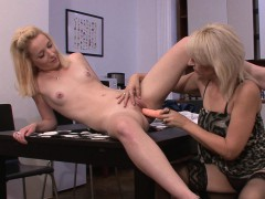 strip-poker-leads-to-pussy-toying