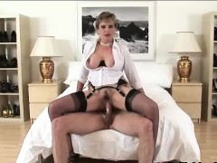 lady-sonia-gets-facial-after-fuck