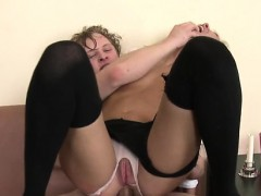 beauty-can-t-live-out-of-anal-so-much
