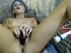 gorgeous-blonde-cums-with-double-dildo