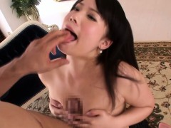 japanese-babe-an-shinohara-receives-a-facial