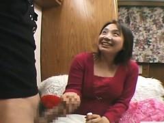 subtitled-cfnm-bottomless-japanese-oil-massage-handjob