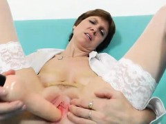 amazing-mature-vixen-takes-the-gray-puss-exam