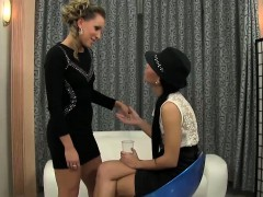 lesbos-finger-and-piss