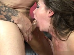 amateur-couple-facial-cumshot
