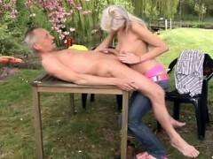 paul-is-enjoying-his-breakfast-in-the-garden-with-his-fresh