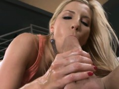 playing-with-a-sexy-anal-tunnel