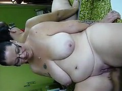 large-amateur-woman-loves-to-squirt