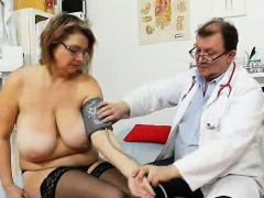 drahuse-gets-her-wifey-fat-vagina-gyno-examined
