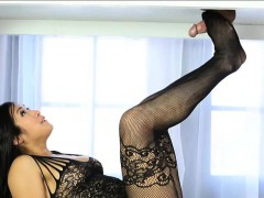 sexy-asian-masseuse-mia-li-footjob-and-fucked-on-the-table