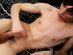 sexy-men-jesse-andrews-is-only-18-years-old-and-hasn-t-been