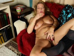 undersexed-mom-unleashes-her-naughty-side