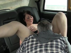 sexy-amateur-twat-nailed-by-nympho-driver-to-off-her-fare