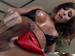tgirl-cums-twice-from-tug