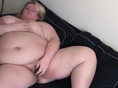 fat-blonde-woman-masturbates-at-home