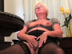 britain-s-hottest-grannies-collection-2