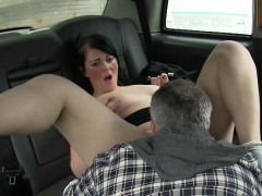 real-amateur-passenger-sucks-and-banged-in-the-backseat