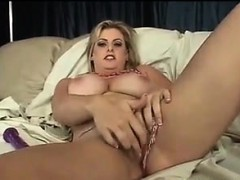 blonde-mother-with-big-tits-masturbating