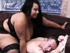huge-titted-women-at-work-pleases-her-boss
